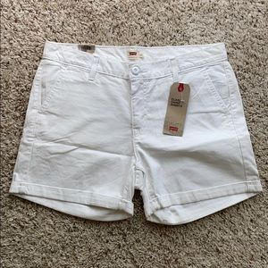 Levi's Classic chino shorts white